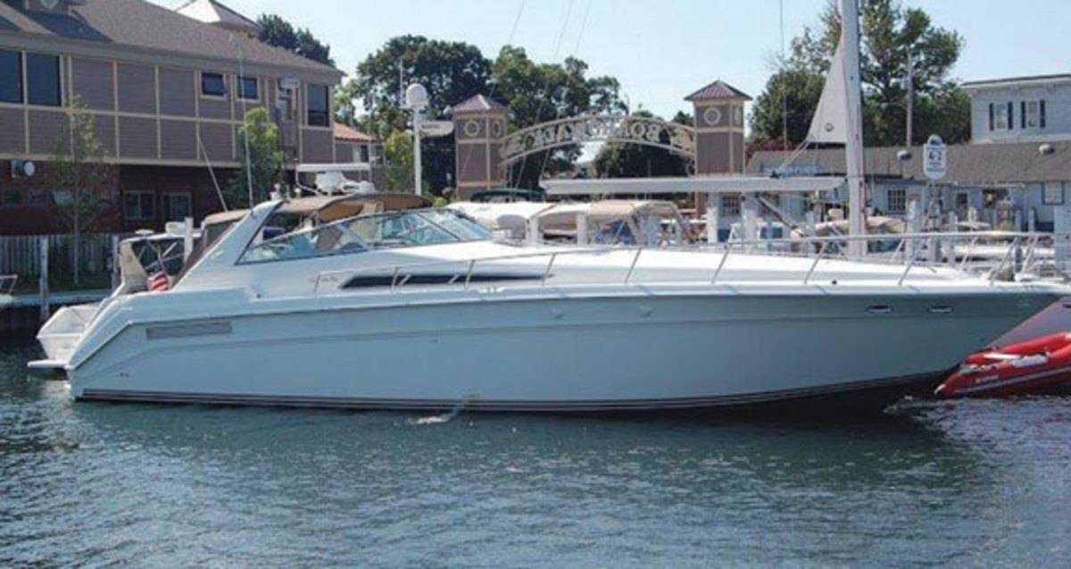 Sea Ray 480 500 Sundancer Used Boat Review Power Motoryacht