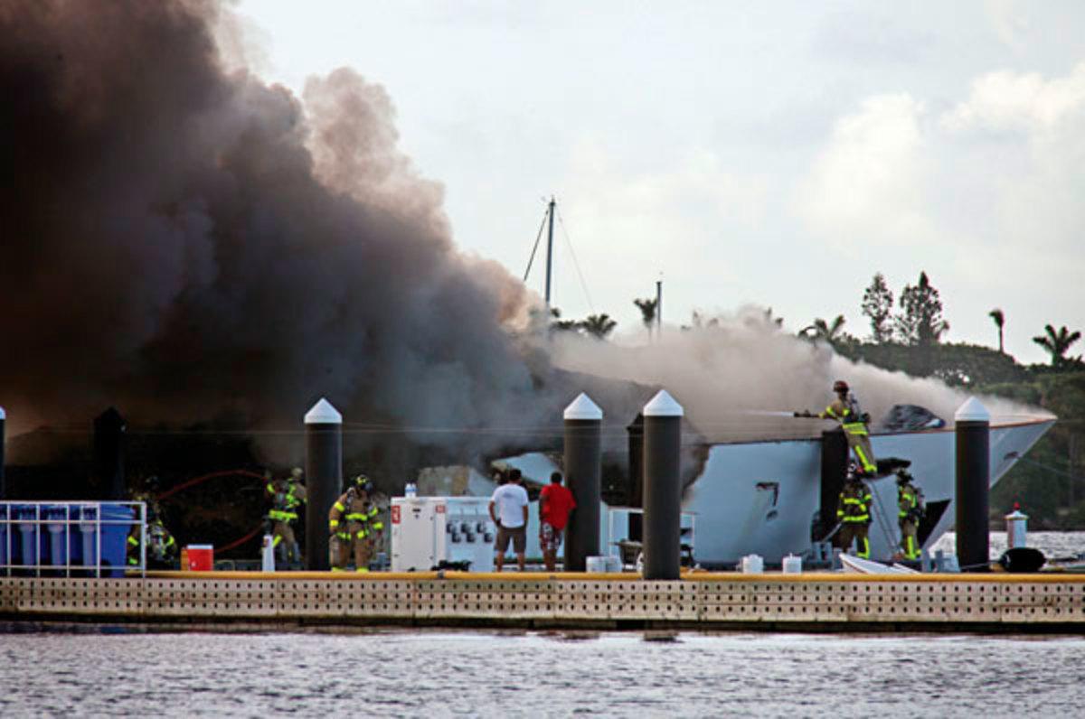 La Diva burning dockside in 2010