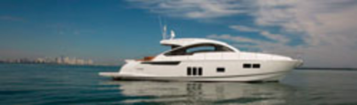 Click here to see more photos of the Fairline Targa 62GT