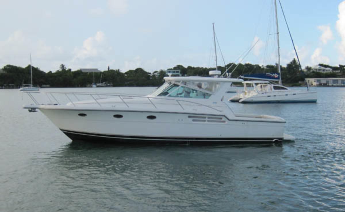 Tiara 4100 Open - port profile
