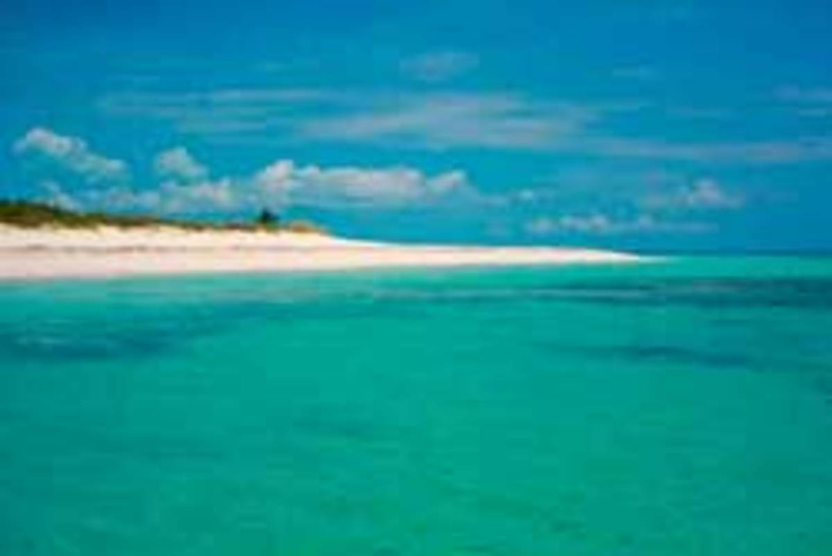 Beach in the Abacos - click for more photos from the charter