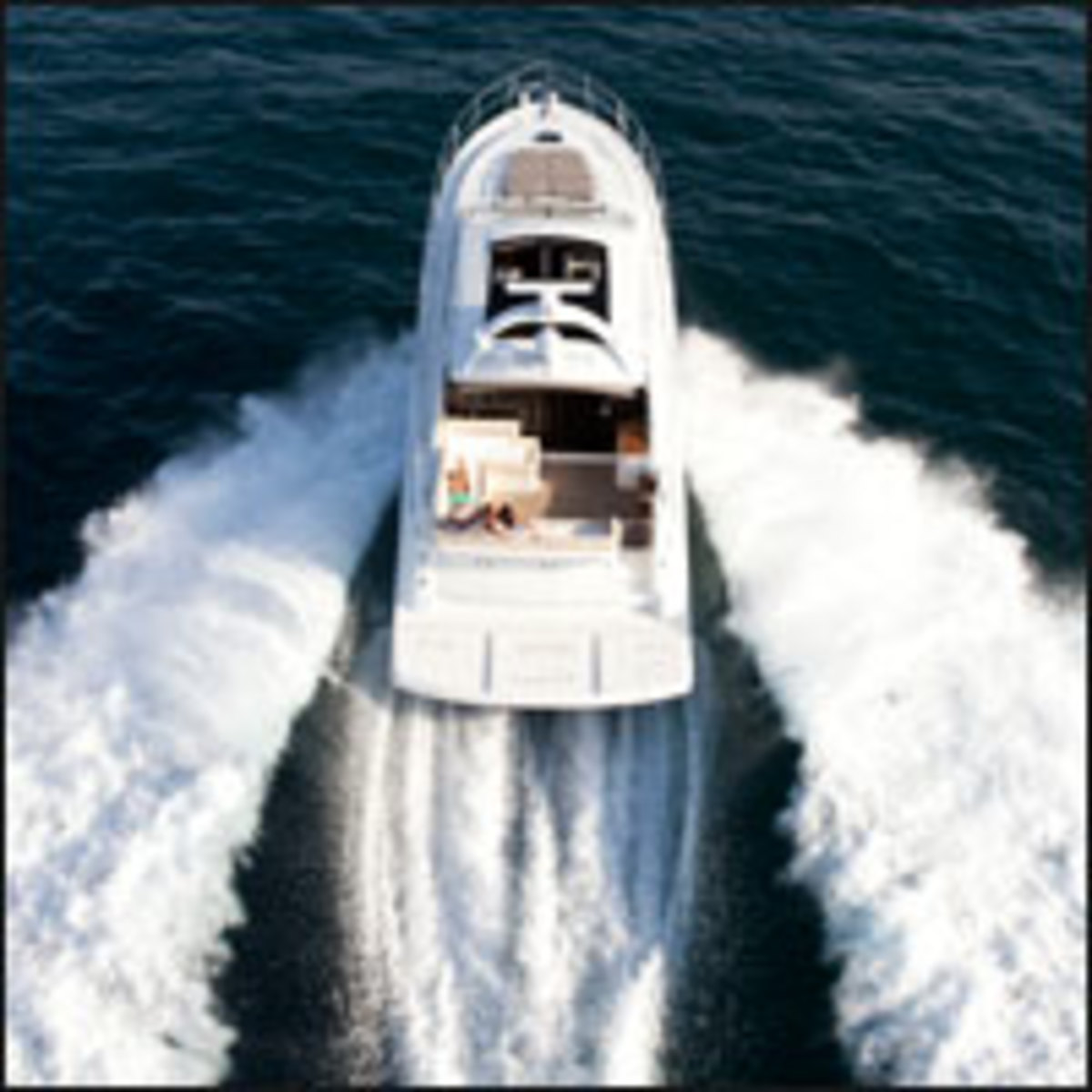 Click here to see more photos of the Sea Ray 510
