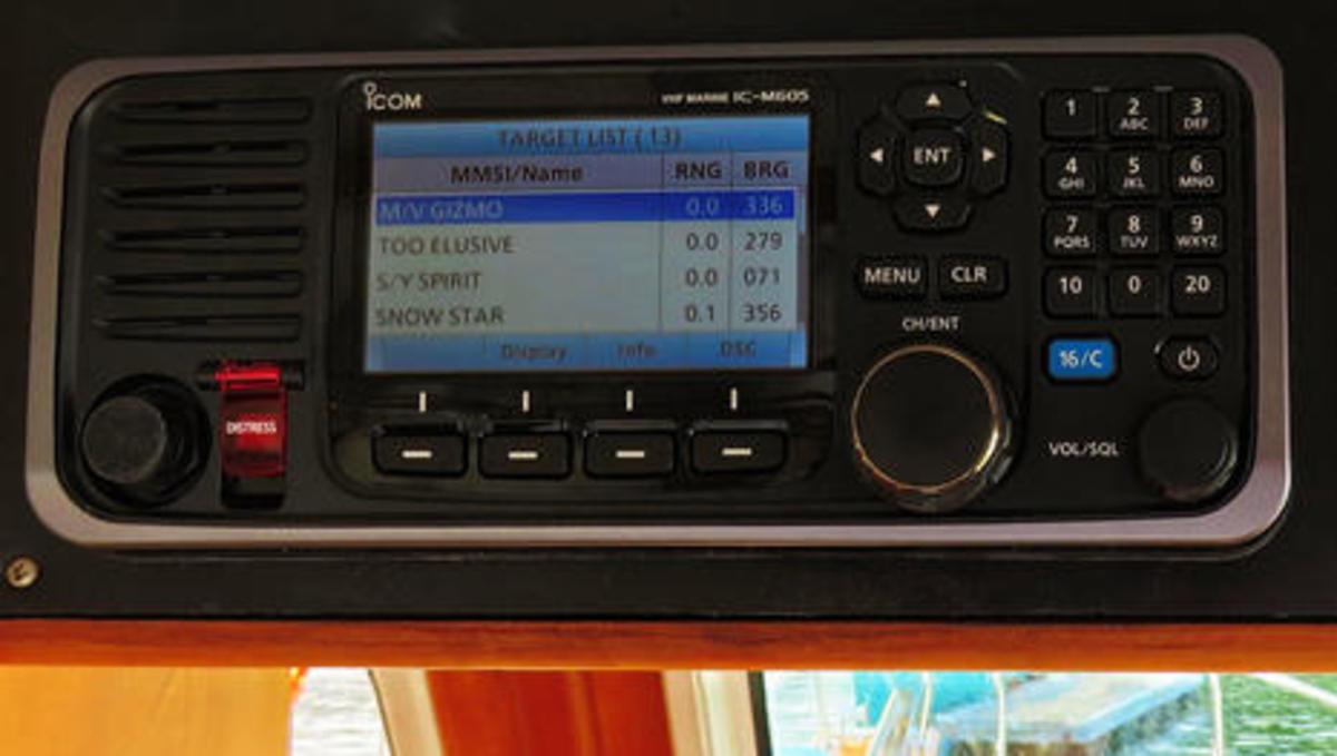 ICOM IC-M605 VHF testing on Gizmo cPanbo.jpg