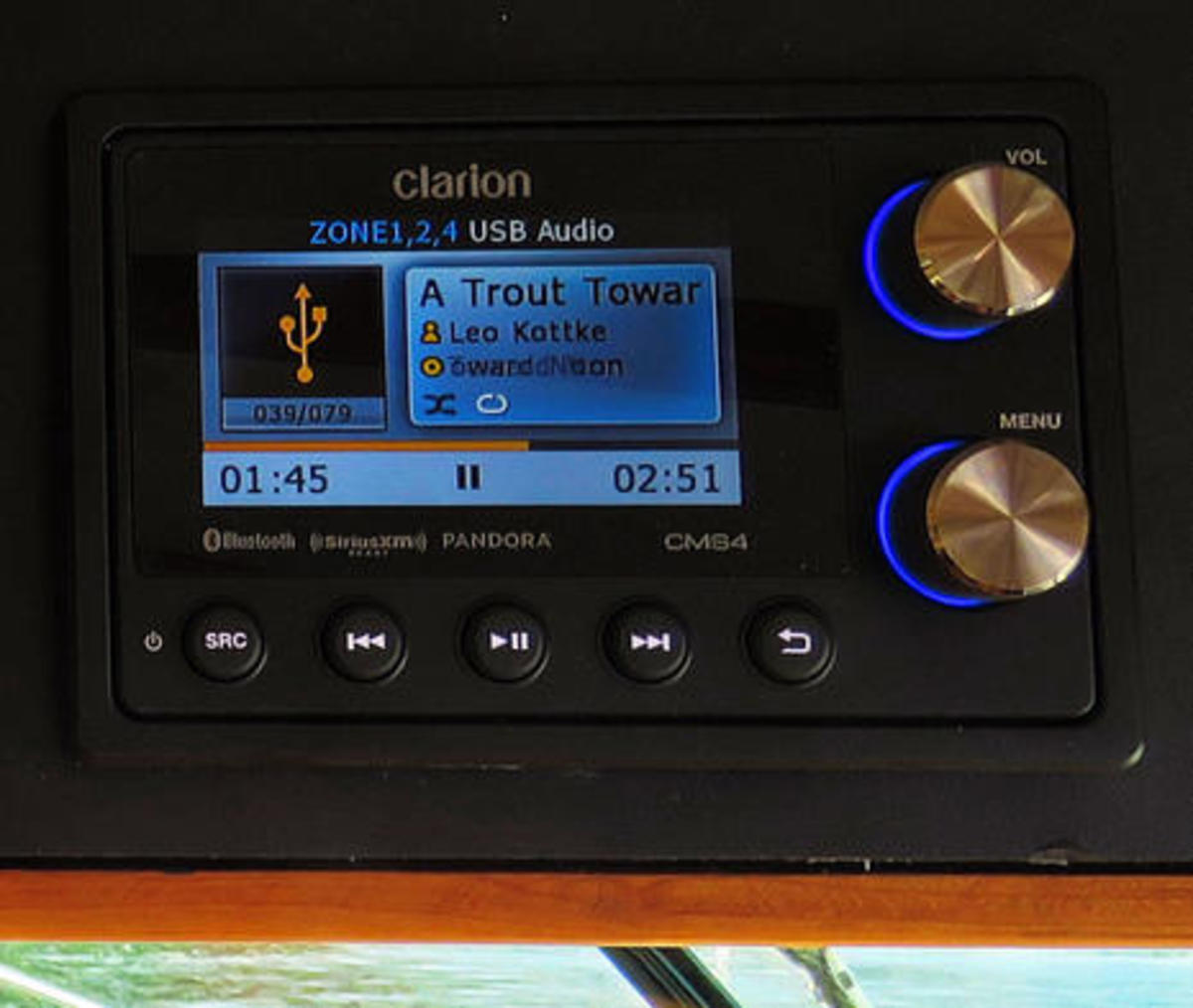 Clarion CMS4 stereo on Gizmo cPanbo.jpg
