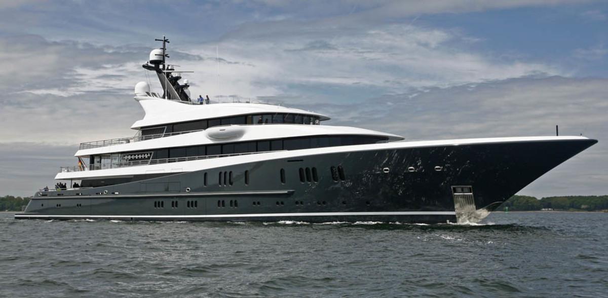 Click to enlarge image - Megayacht Phoenix2