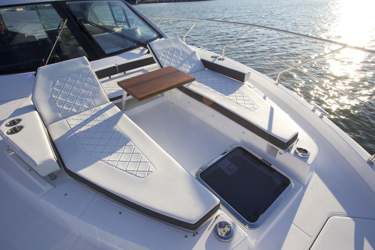 Cruisers 50 Cantius - Power & Motoryacht