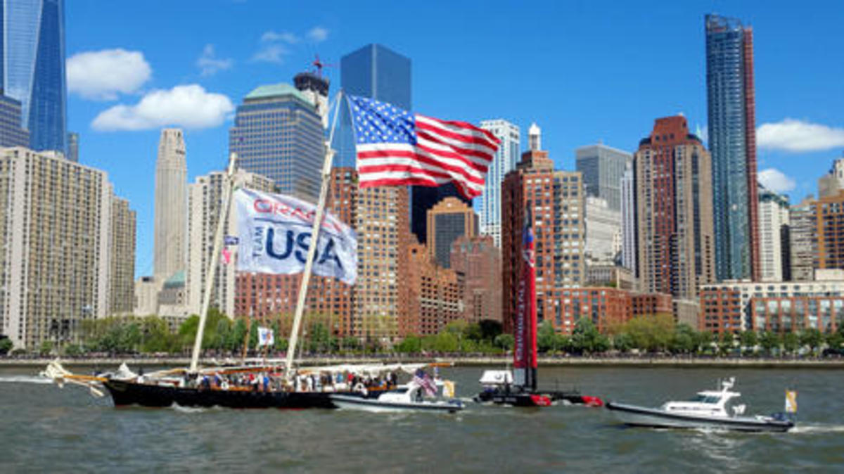 replica_yacht_America_hosting_Team_Oracle_NYC_May_2016_cPanbo.jpg