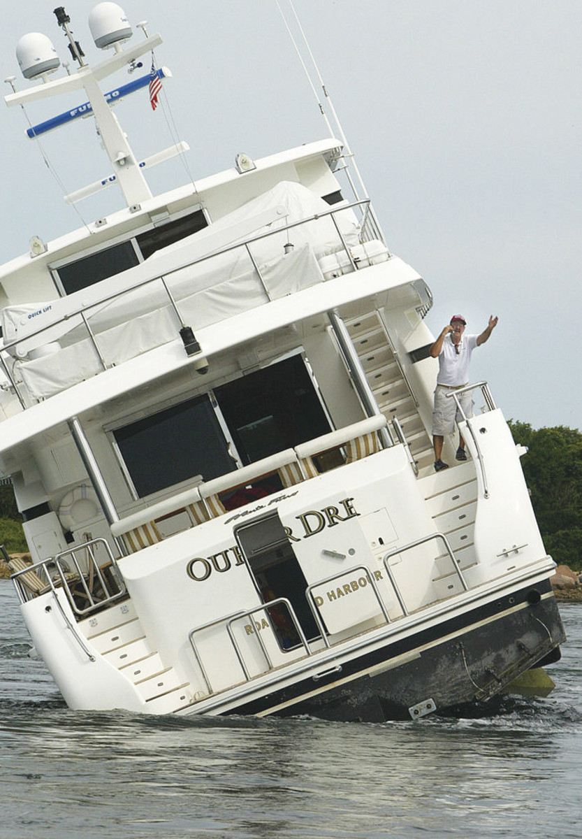 What to do if You Run Your Boat Aground - Power & Motoryacht