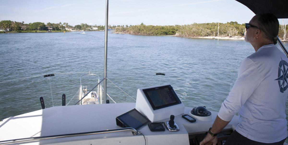 Upgraded Simrad Helm System - Power & Motoryacht