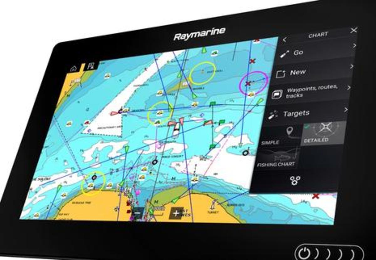Raymarine_Axiom_Lighthouse_3_charting_aPanbo.JPG