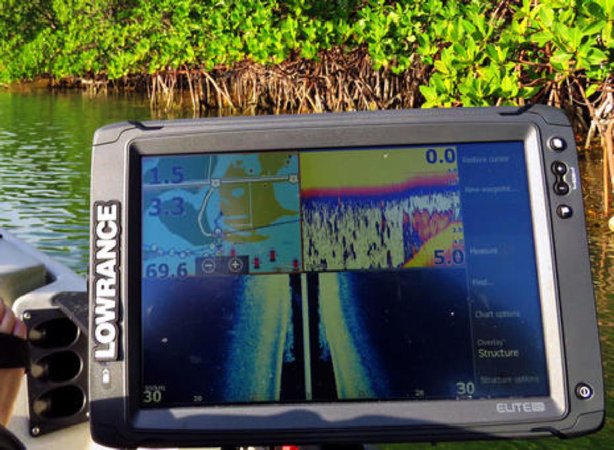 Lowrance_Elite_12Ti_on_Hobie_Pro_Angler_Florida_keys_cPanbo.jpg