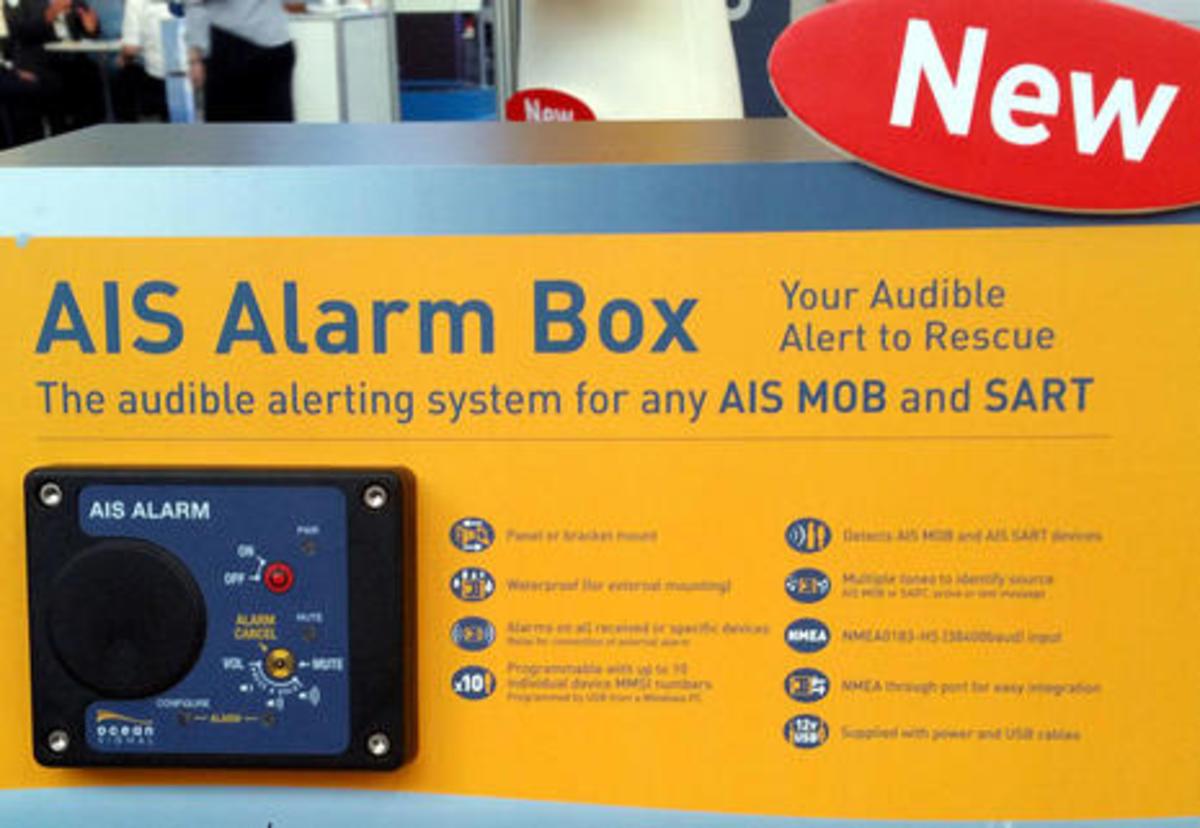 Ocean_Signal_AIS_MoB_alarm_cPanbo.jpg