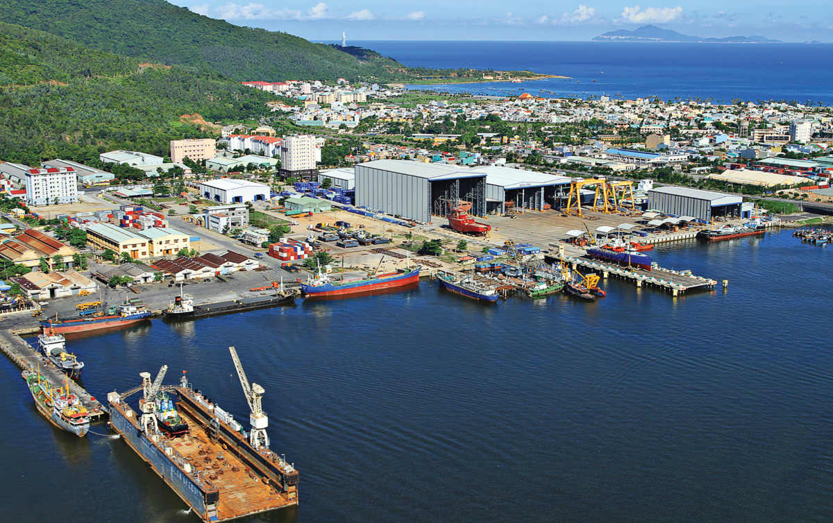 Cape-Scott-DaNangshipyard