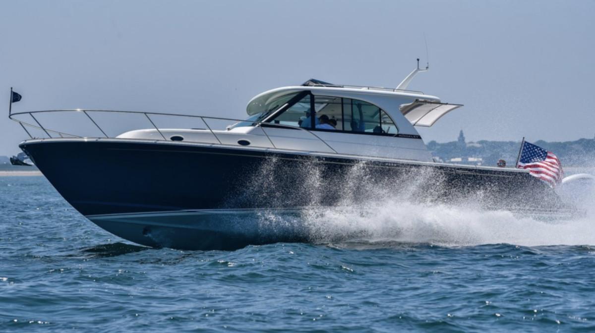 New Boat: Hinckley Sport Boat 40x - Power & Motoryacht