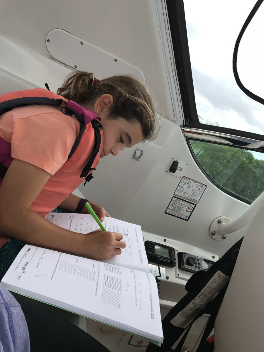 01-boat-schooling