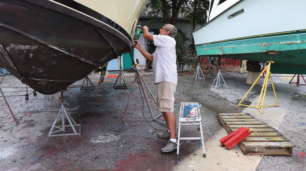 Waxing your own topsides? Yup, you can still do it at Sadler Point Marina in Jacksonville, Florida.