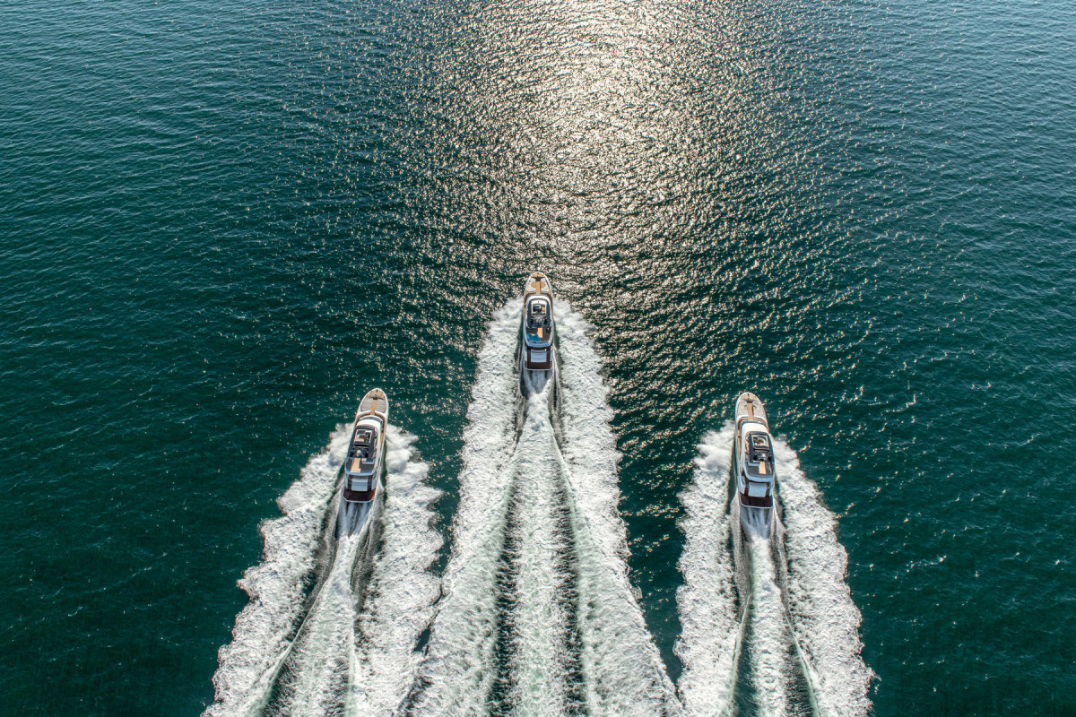 01_MCY_3-yachtsx1800