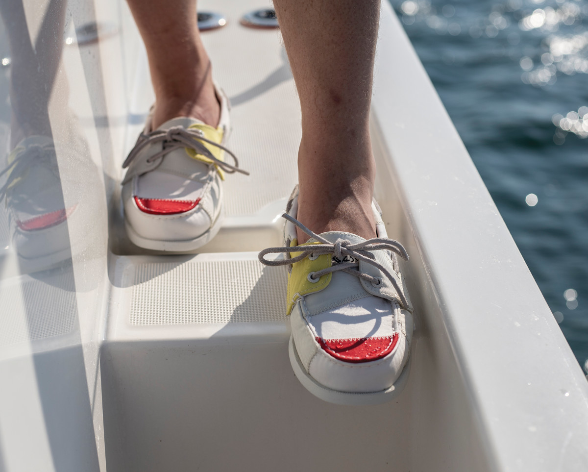 12-Sperry Bionic Boat Shoe