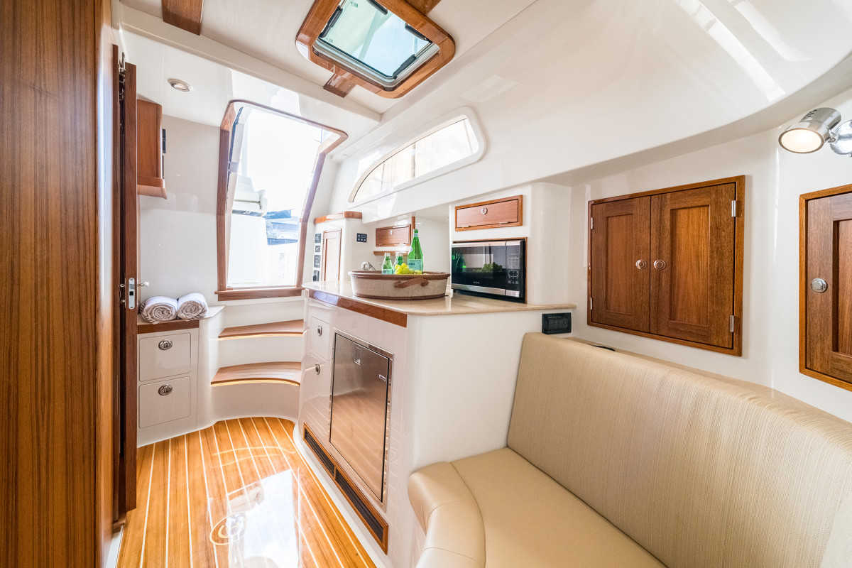 07b-Hinckley Sport Boat 40c-Large- 22