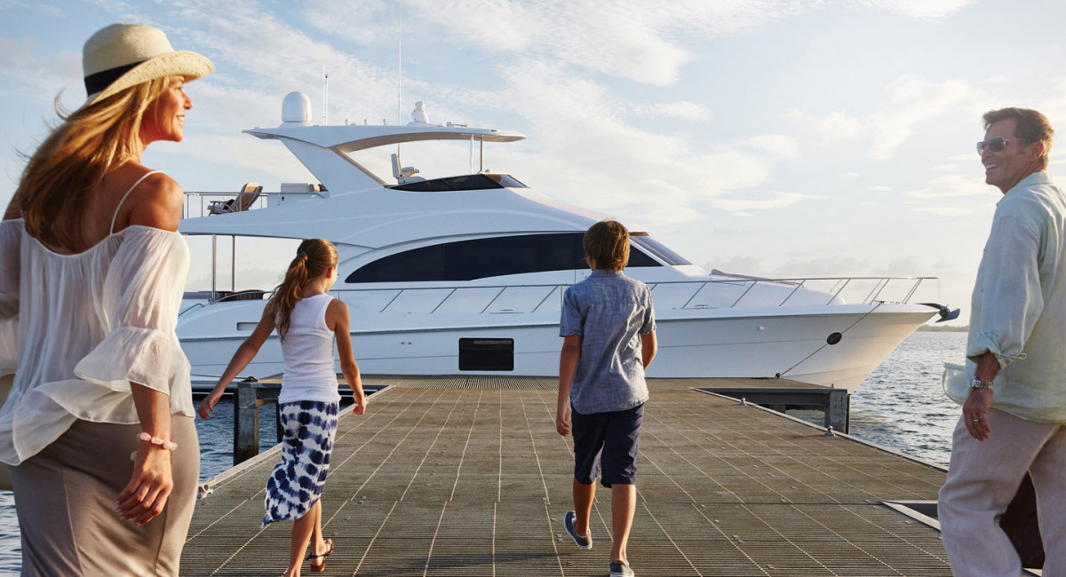 buying-yacht-with-broker