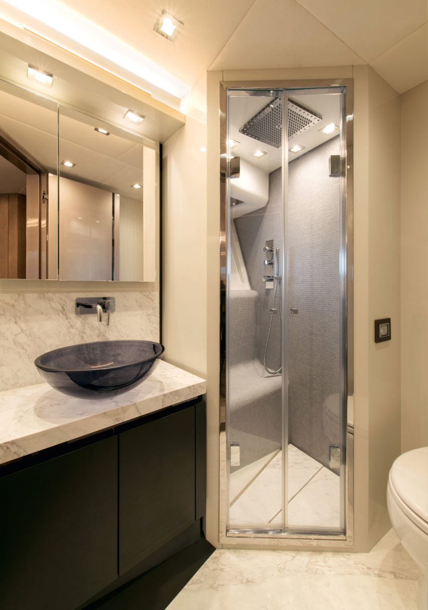 MCY70_Vip_cabin_ensuite