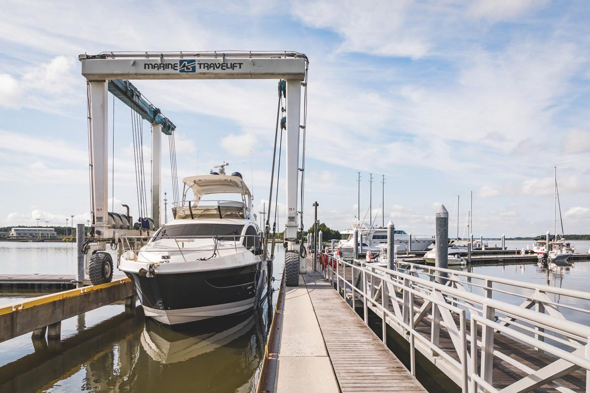 03-safeharbor-city-boatyard-lift-039