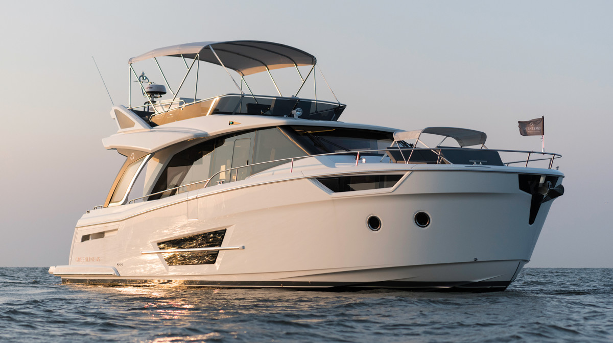 With multiple propulsion options and accommodations that are rare for a boat of its class, the 45 appeals to a wide variety of tastes.