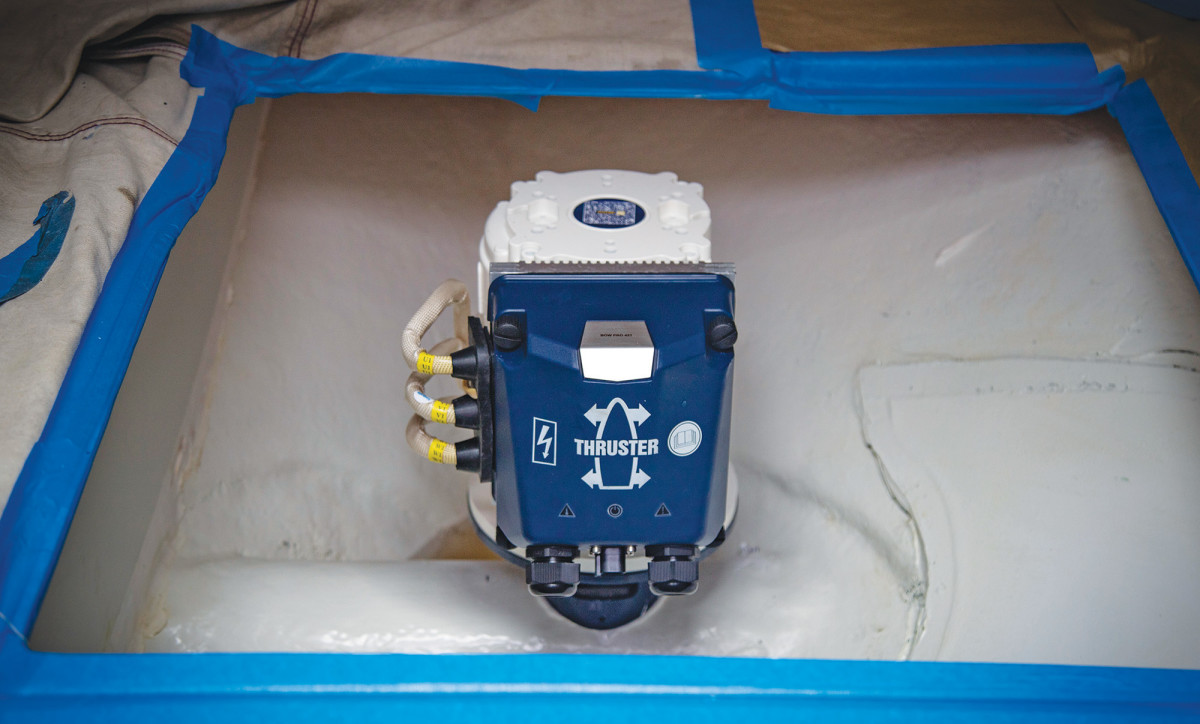 Installing a Vetus Bow Pro 42 KGF aboard a Jeanneau was a straightforward, single-day job for the seasoned team at New England Bow Thruster.