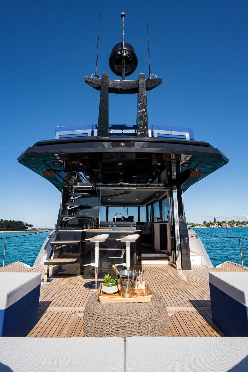 50X Okean_aft_deck_8