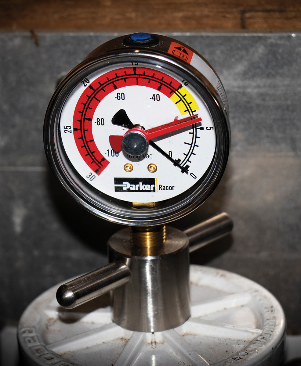 A vacuum gauge will alert you to when you need to change cartridges.