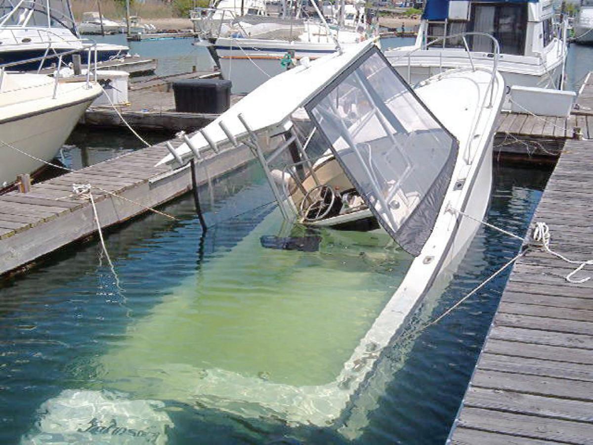 sunk_boat_3